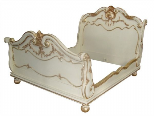 Sleigh Bed with Scroll Design